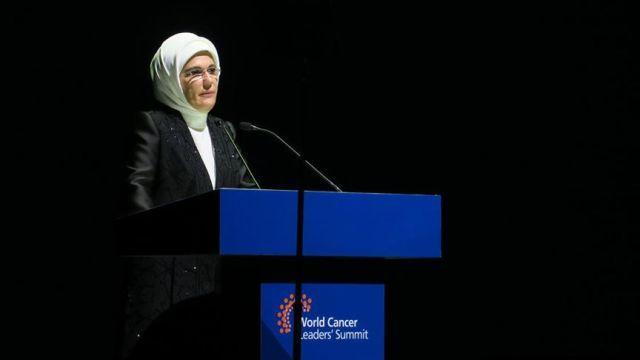 Emine Erdoğan: Doğru politikalarla kanser ölümlerinin yarısını önleyebiliriz