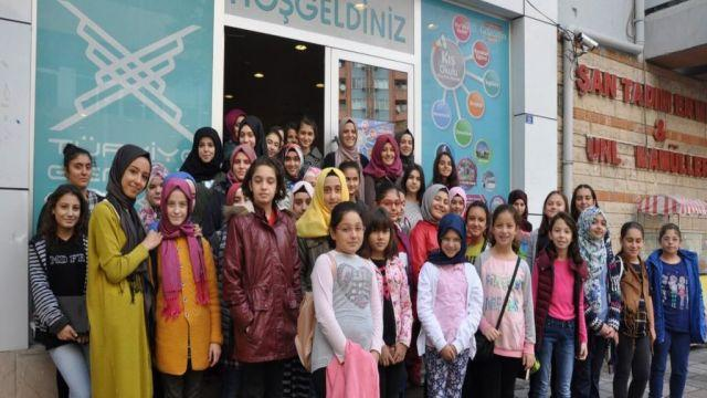 TÜGVA Kültür Sanat Okulu kapılarını gençlere açıyor