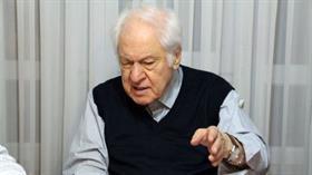 Yazar Pakdil, hastanede tedavi altına alındı