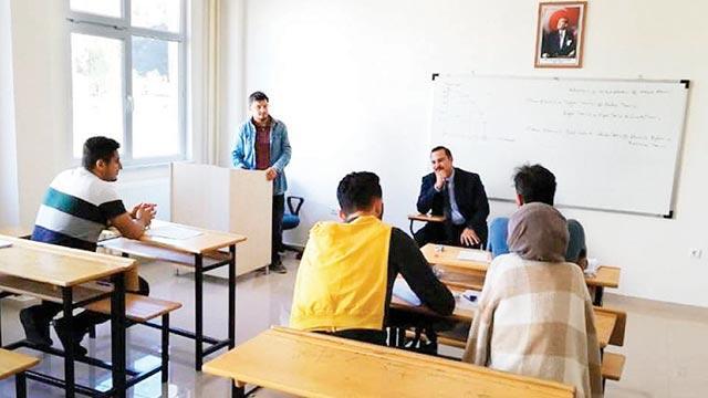 4 öğrencili fakülte
