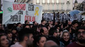 Katalonya'da siyasetçilerin mahkumiyetine karşı protestolar sürüyor