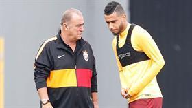 Fatih Terim Sivas maçı öncesi Belhanda ile özel görüştü