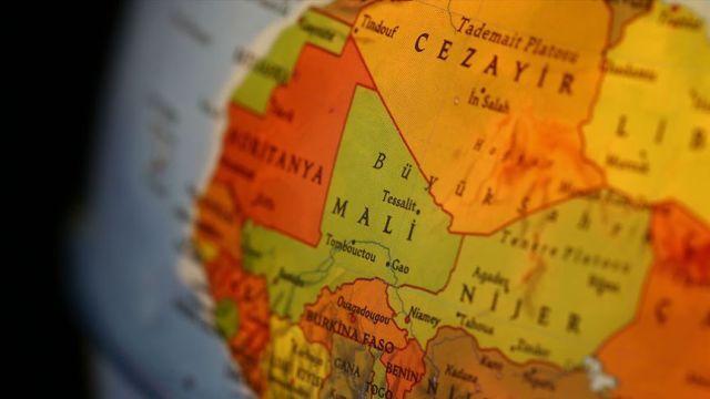 IRCICA'dan Mali'ye Eski Elyazmalarını Koruma ve Restorasyon Merkezi