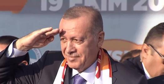Başkan Erdoğan'dan Mehmetçiklerimize asker selamı