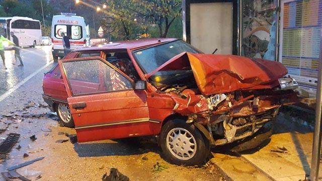Gümüşhane'de iki otomobil çarpıştı: 2 yaralı