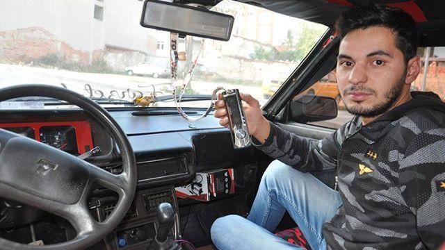 Hırsızlardan teybini çalamadıkları otomobilin sahibine: 'İntikam yeni başladı'