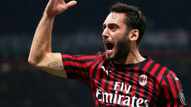 Hakan Çalhanoğlu şov yaptı, Milan galibiyeti kaçırdı
