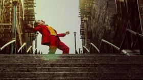 Joker'in dans ettiği merdivenlere selfie çekmek için akın ettiler