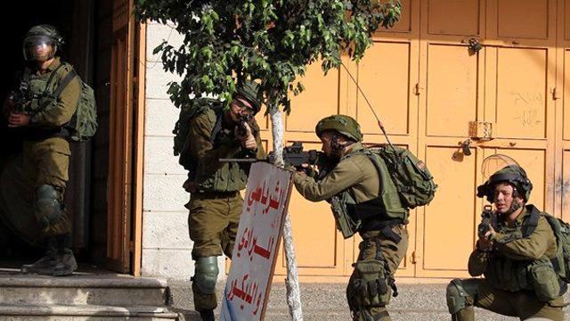İşgalci İsrail güçleri 7 Filistinliyi gözaltına aldı