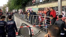 Şişli Metro İstasyonu'nda bir kadın raylara düşmesi üzerine hayatını kaybetti