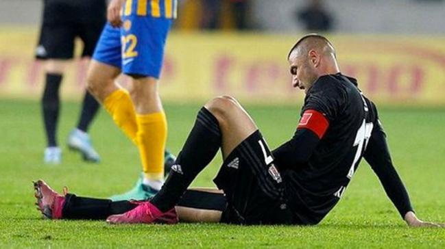 Beşiktaş'ta 8 futbolcu Galatasaray derbisinde forma giyemeyebilir