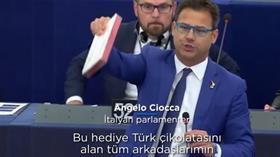 Türkiye'nin gücü İtalyan vekili çılgına çevirdi! AP'de Türk çikolatası fırlattı
