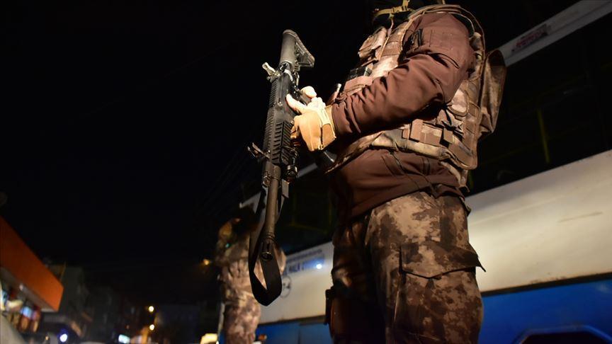 Başakşehir'de uyuşturucu operasyonu: 25 gözaltı