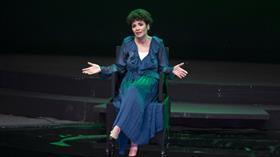 Songül Öden 'Lal Hayal' ile yedi kadını bir bedende canlandırdı
