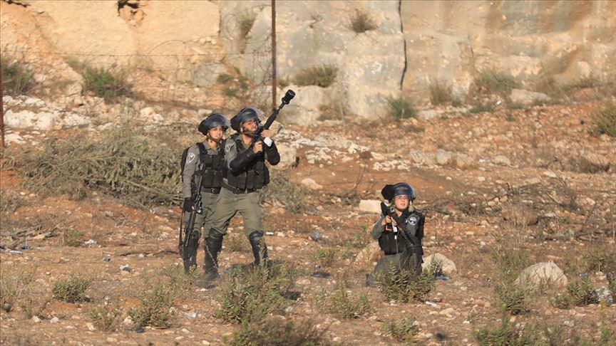 Katil İsrail güçlerinin şehit ettiği Filistinli genç son yolculuğuna uğurlandı