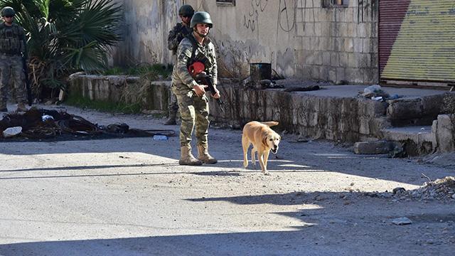 Son Dakika.. MSB: Barış Pınarı Harekât bölgesinde şimdiye kadar 923 EYP ve 337 mayın etkisiz hale getirildi