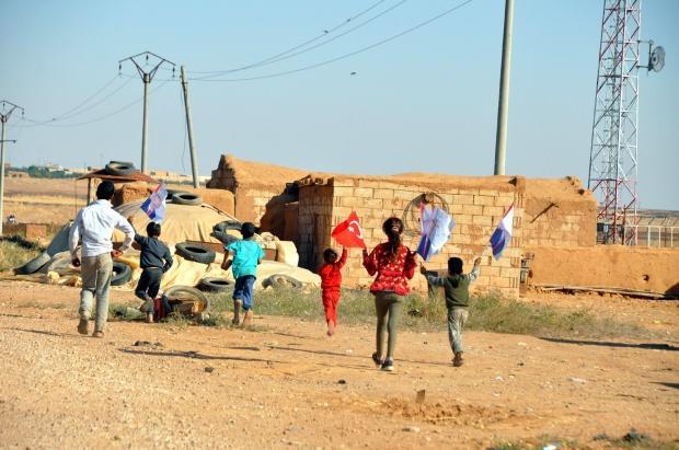 Tel Abyad'da çocukların duygulandıran Erdoğan sevgisi