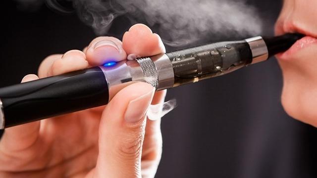 Dünyada elektronik sigara vakaları tırmanışa geçti