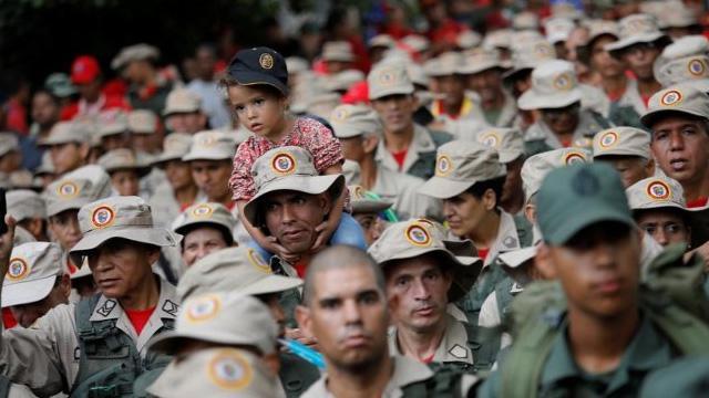 Maduro muhaliflere karşı milisleri göreve çağırdı