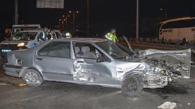 Babasının otomobilini kaçıran genç kaza yaptı