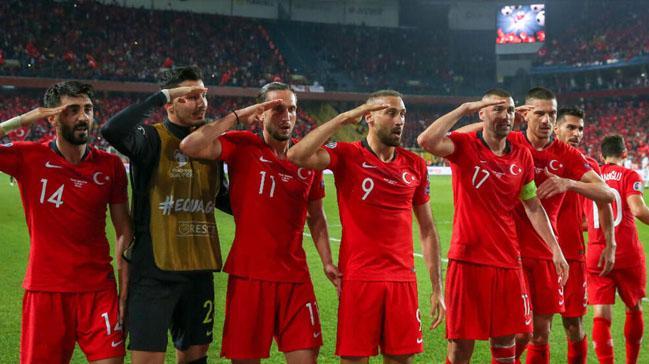 Tarih yaz Türkiye'm! Türkiye-İzlanda muhtemel 11'ler