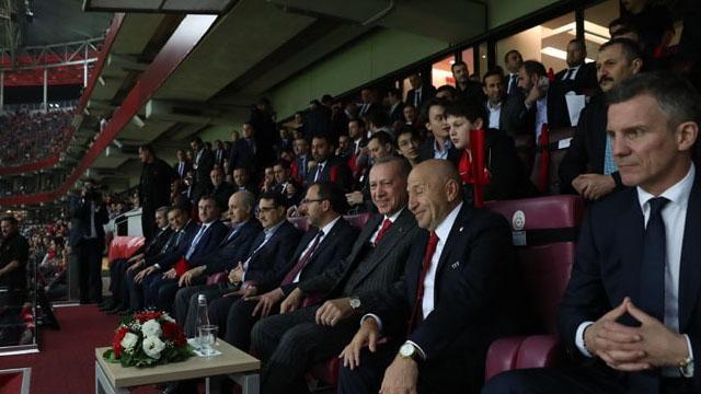 Nihat Özdemir: 'Bu takım finallerde de başarılı olacak'