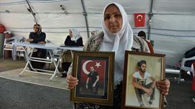 Necibe Çiftçi: Türk bayrağı altında doğduk Türk bayrağı altında da öleceğiz