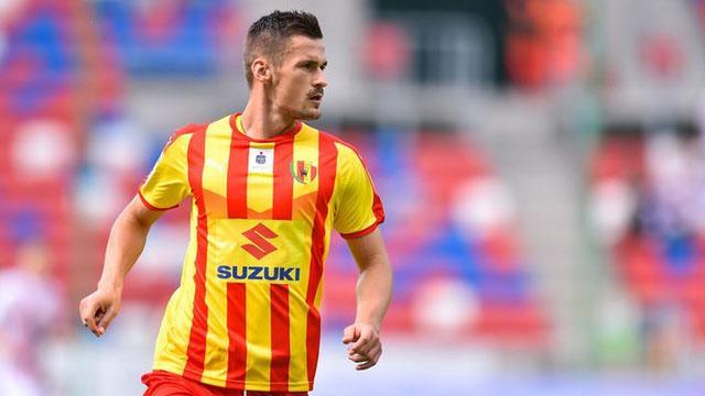 Fenerbahçe Bosnalı stoper için çalışmalarını başlattı