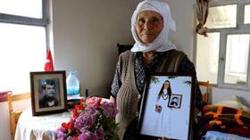 'Ölümsüz sevginin' fotoğrafı! 75 yaşında gelinlik giyip düğün fotoğrafı çektirdi