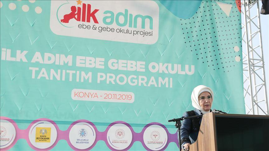 Emine Erdoğan: Sezaryenin tercih olmasının önüne geçmek mümkün