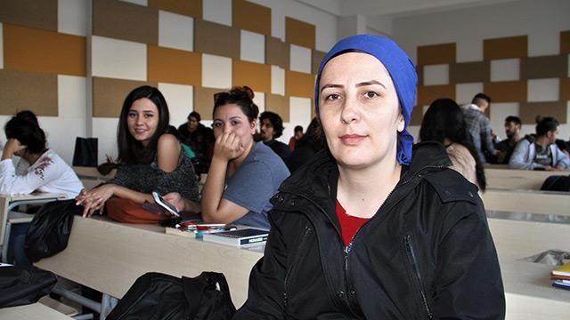 Elazığ'da okuma aşığı kadın, 38 yaşında 3'üncü üniversitesini okuyor