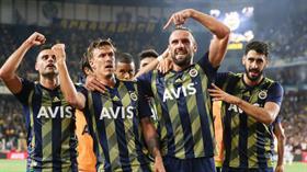 Fenerbahçe'ye Vedat Muriqi ve Max Kruse'den kötü haber
