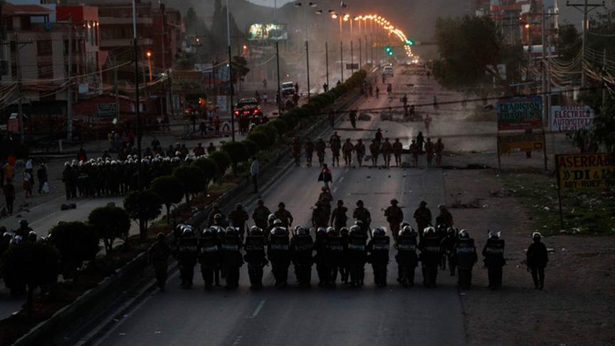 Bolivya'da güvenlik güçleri darbe karşıtı 3 kişiyi öldürdü