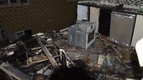 Tamir ettiği ocağı çakmakla kontrol eden usta mutfağı havaya uçurdu