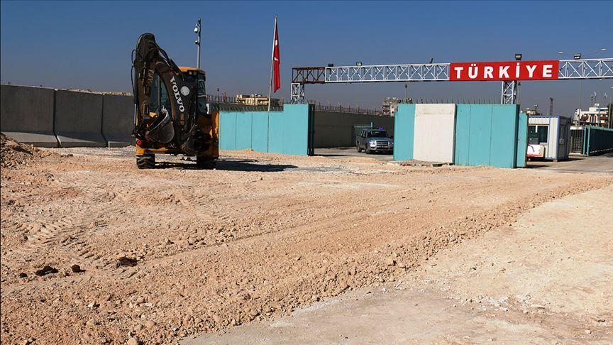 'Tel Abyad Sınır Kapısı Suriye ile Türkiye arasında gönül köprüsü olacak'