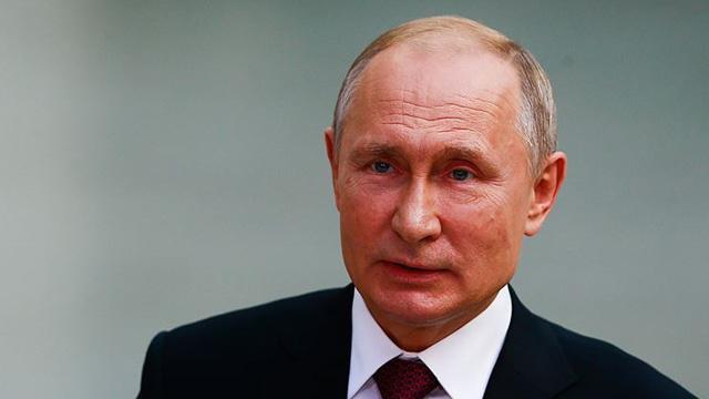 Putin: NATO'nun askeri alanında uzayı kullanma girişimleri endişe verici
