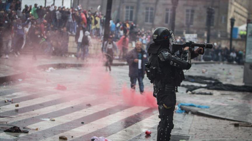 Kolombiya'da genel grev protestolarında 3 ölü, 122 yaralı