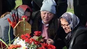 Ceren'in annesinin feryatları yürekleri dağladı: Doğum gününde mezarına senin kıyafetlerini giydim de geldim