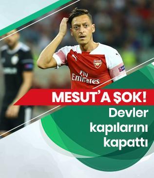 Mesut Özil resmen Arsenal'in elinde kaldı!