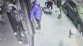 Kağıthane'de dehşet: 3 kişiyi bıçakladı koşarak kaçtı