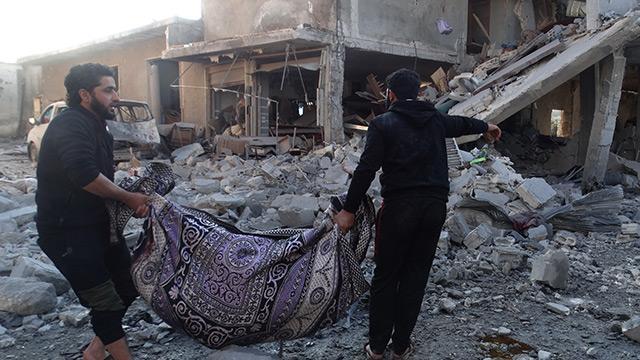 Esed rejimi ve destekçisi Rusya İdlib'te sivil yerleşimleri bombaladı: 11 sivil öldü