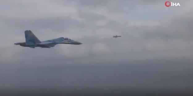 Ukrayna füzesi ve SU-27 savaş uçağı yan yana!