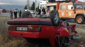Burdur'da otomobiller çarpıştı: 1'i ağır 5 kişi yaralandı
