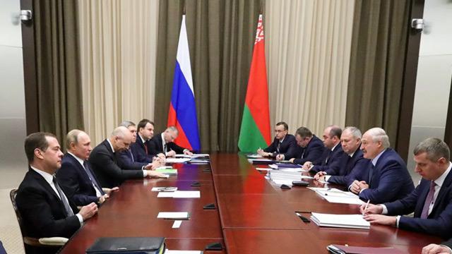 Putin ile Lukaşenko tam 5 buçuk saat gaz pazarlığı yaptı