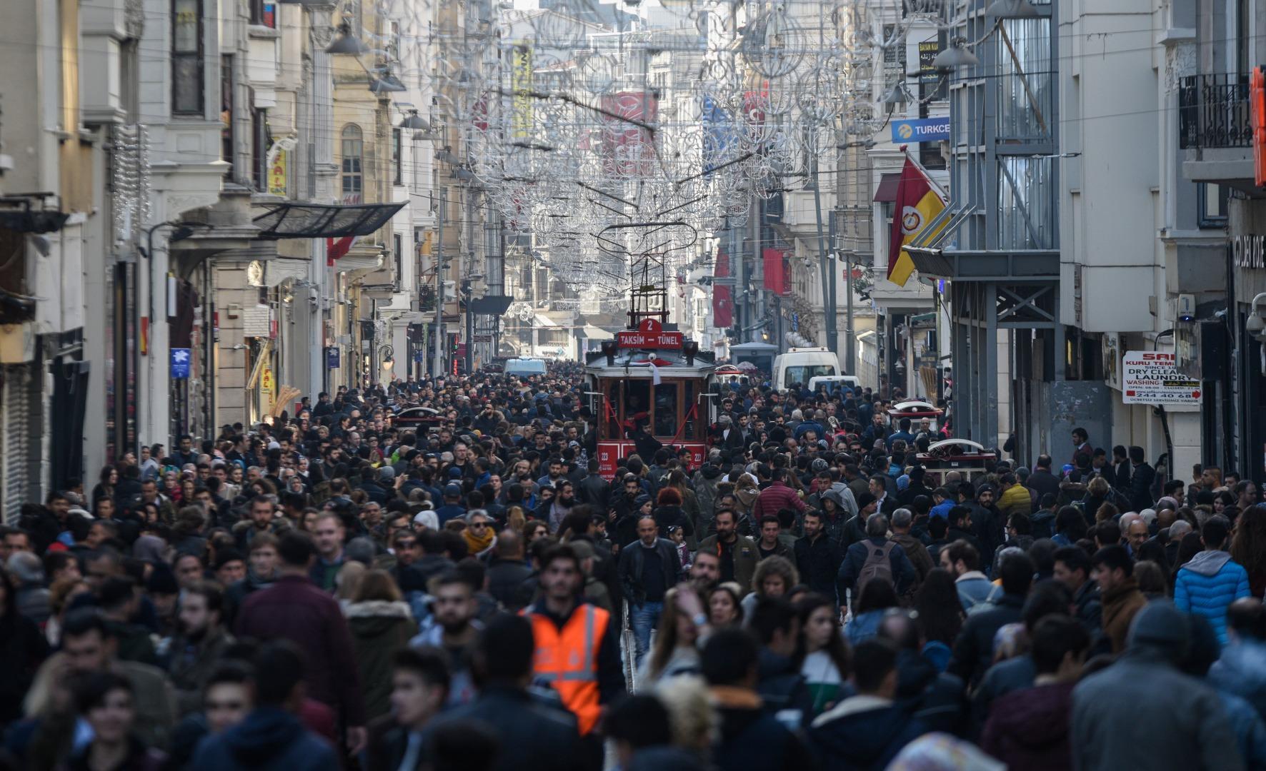 Türkiye ilk kez 'çok yüksek insani gelişme' kategorisine girdi