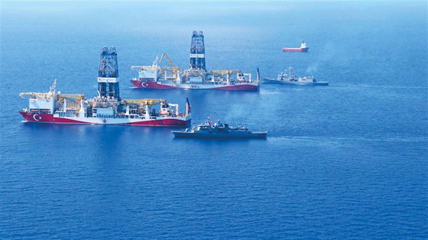 Tarihi anlaşmanın ardından Türkiye'den yeni adım! 3. sondaj gemisi için kolları sıvadı