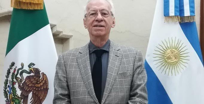 Arjantin'de kitap çalmakla suçlanan Meksikalı büyükelçi geri çekildi