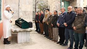 Eğitime bağışlanan kadavra 8 yıl sonra törenle toprağa verildi