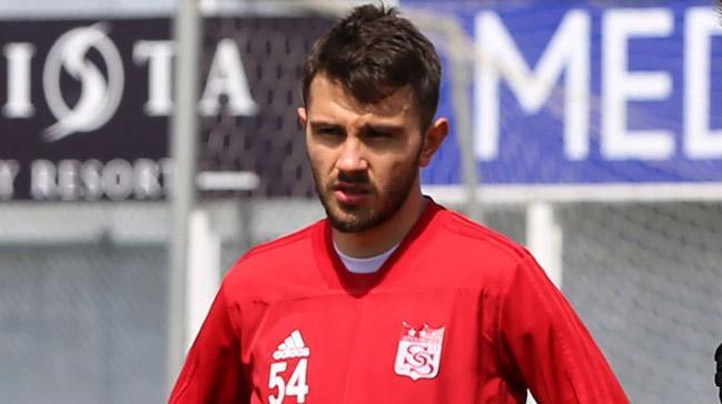 Beşiktaş, Emre Kılınç transferi için Sivasspor'a takas teklifinde bulunacak