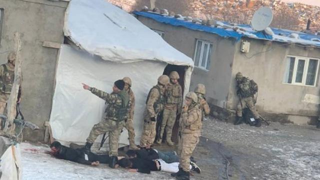 Ağrı'da 4 teröristin öldürüldüğü çatışma anı kamerada!